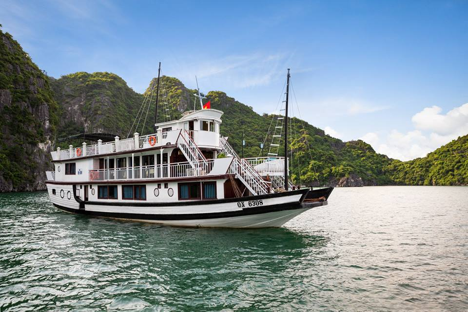 Charm Boutique Cruise - Hạ Long