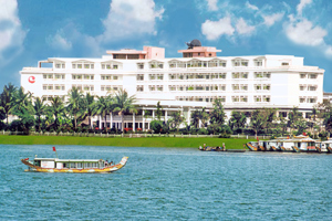 Century Riverside Hotel - Huế