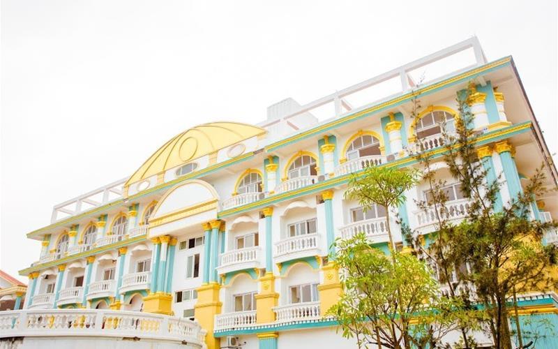 Queen Hải Tiến Hotel - Thanh Hóa